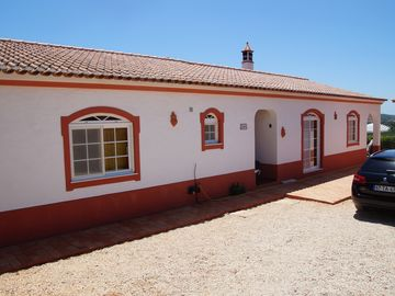 Nice villa with salt water pool, surrounded by gardens and farm of orange trees