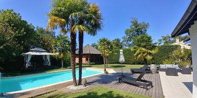Photo for Luxurious Villa - Enclosed garden - Heated swimming pool - Calm and comfort