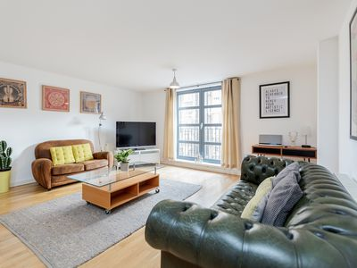 Photo for The Batemans - 2bed flat in Shoreditch - by BaseToGo