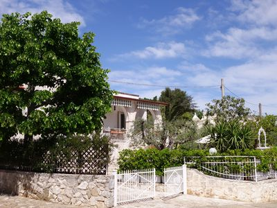 Photo for Villa with stunning sea views and hot tub in characterful Puglian town