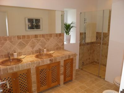 Photo for 4 bedroom Villa, sleeps 8 in Malhadais with Pool, Air Con and WiFi