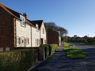 Photo for PEBBLE COTTAGE DUNNSCROFT, pet friendly in Flamborough, Ref 965439