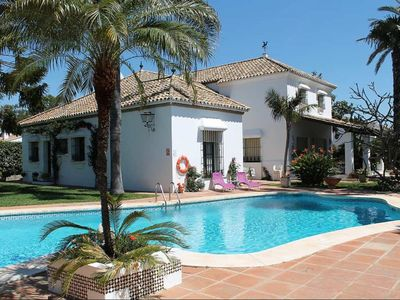Photo for Superb Villa 5 bedrooms with big pool!Walking distance Puerto Banus and beach!