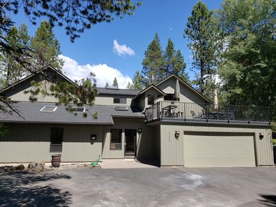 Photo for 4000 SF. 2 masters, Walk to Sharc/Mall, on Golf Course, 10 Sharc passes, Hot Tub