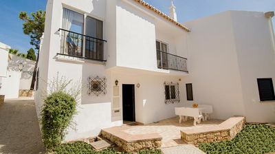 Photo for Close to Vale do Lobo Beach. Sleeps 4. WiFi and air-con K119 - Vale do Lobo, Almancil, Algarve