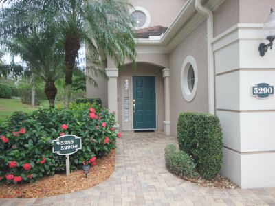 Photo for Lovely Sarasota condo in desirable location.
