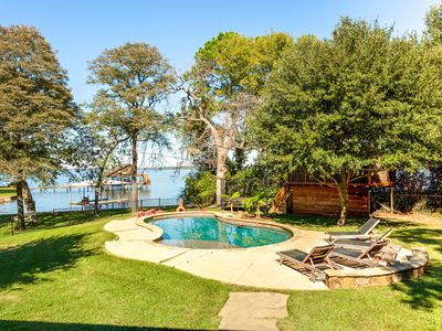 Photo for 6 Bedroom Waterfront Lakehouse + Pool/Basketball Court/Treehouse
