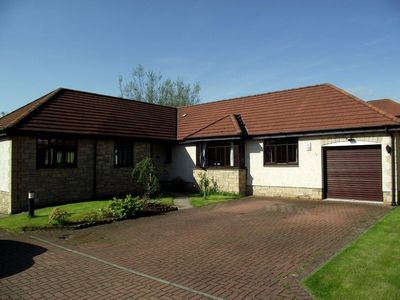 Photo for Luxury bungalow in a quiet but central location in the coastal town of Kirkcaldy