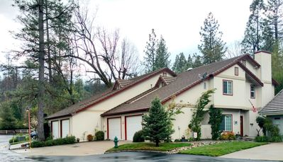 Photo for North Shore 3-Bedroom near Yosemite, with pool, spa, tennis court!