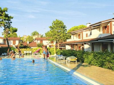 Photo for Holiday resort Villaggio Sole B, Bibione Spiaggia  in Venetische Adria - 5 persons, 2 bedrooms