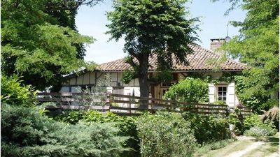 Photo for Landes farmhouse in the Gers countryside. Quiet and beautiful views