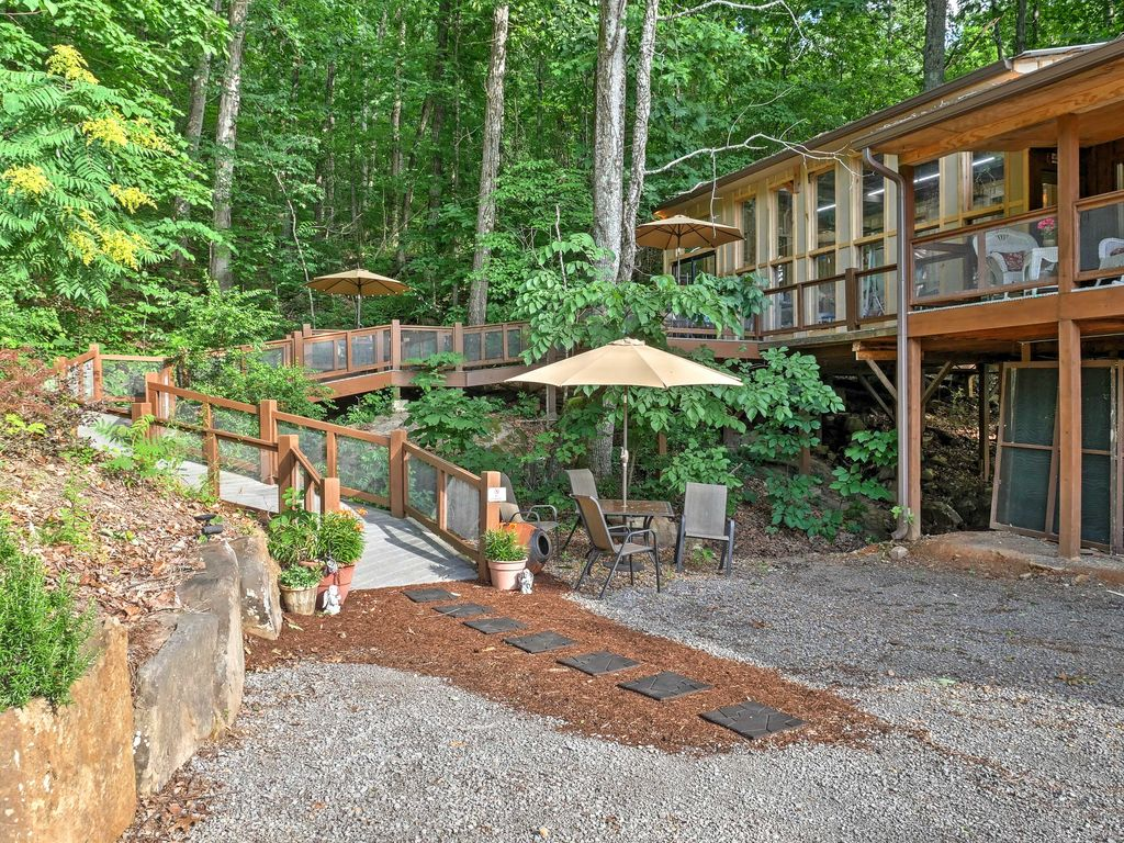 NEW! 1BR Tree House Cottage On Lookout Mountain!, Valley