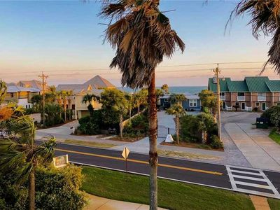 Photo for 50 Yards to PRIVATE Beach! Gulf Views. Private, Heated Pool. 6 Free Bikes.