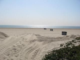 Photo for 4BR Condo Vacation Rental in Sunset Beach, California