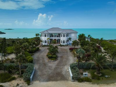 Amazing turtle tail property with no neighbors in sight!