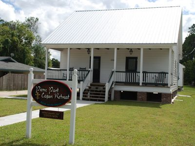 Relax on the Bayou in our 'Big Cajun' Cabin