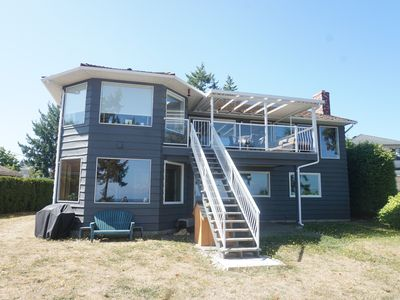 Photo for Waterfront with Beach Access on Beautiful Vancouver Island
