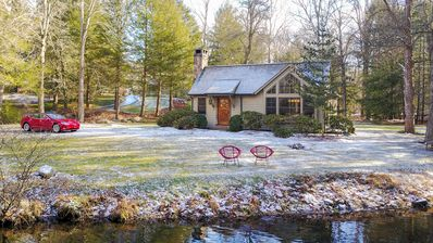 The Weston River House 1 hr from NYC Designed by Famed Artisan Michael Greenberg