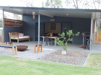 Neat, tidy with everything you need. Close to Dunsborough but a nice feeling of rural seclusion.