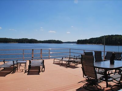 Relax on top of this fabulous dock! There is a gate to jump off the top!