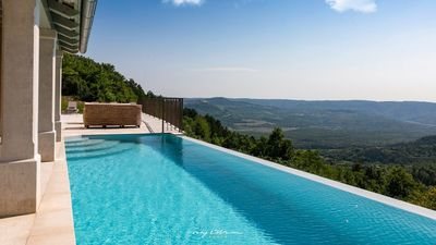 Photo for Stunning villa with private pool & panoramic view