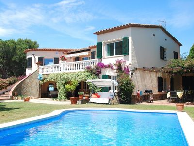 Photo for Villa 1.3 km from the center of Calonge with Internet, Pool, Air conditioning, Terrace (334704)