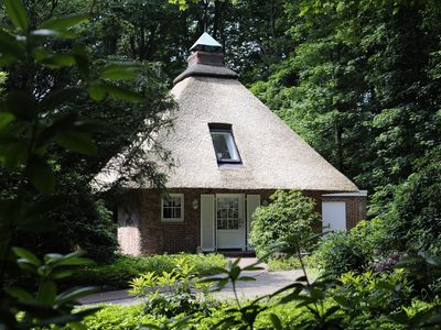 Photo for Exclusively furnished, quaint cottage with thatched roof in Bremen