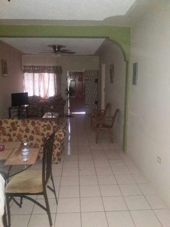 2 Bedroom Apartment In Manchester Mandeville Mandeville Rentals And