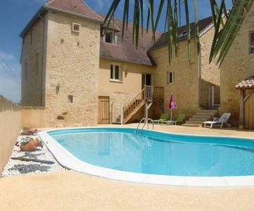 Photo for Charming cottage with private pool and heated in Périgord Noir