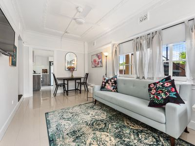 Photo for Art Deco 1 Bedroom Apartment in New Farm