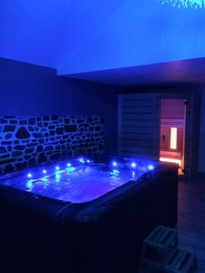 Photo for Private spa, large enclosed garden, beaches 5 minutes ... All to relax!