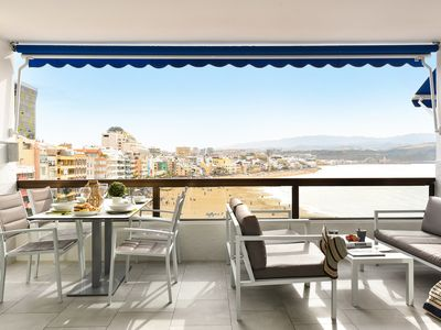 Photo for Exceptional apartment on Las Canteras