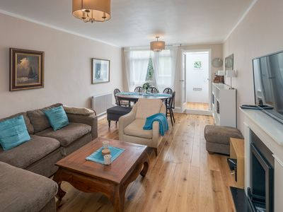 Photo for Bright, Modernised 4 Bed Maisonette in Brixton