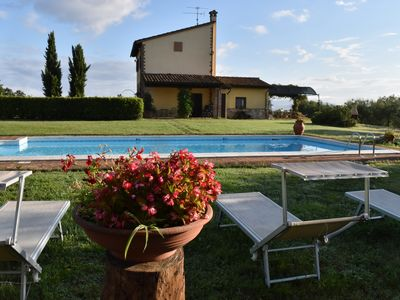 Photo for Delightful Umbrian villa, majestic view of Todi, private pool, wifi (sleeps 6-7)