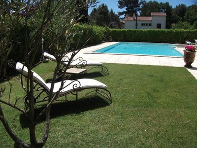 Photo for Beautiful 4-room villa with swimming pool in a guarded residence, quiet 5min from Aix