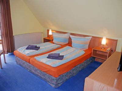 Photo for Double room III (4, 5) - DEB 011 Pension - directly on the water with boat rental and sauna