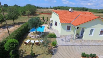 Photo for House with pool for 5 people 15 km from Pula, quiet at the end of the village