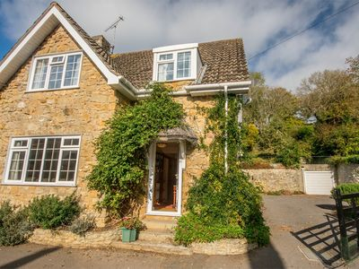 Photo for 3 bedroom House in Shipton Gorge - DC048