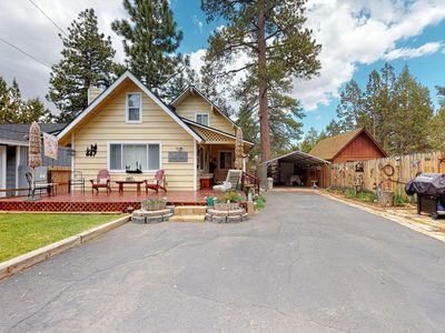 Photo for Lovely mountain home w/mountain views, rustic touches & gas grill