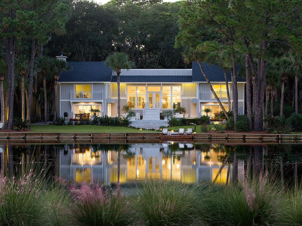 newly remodeled nestled on the lagoon with vrbo
