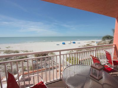 Beachfront Bargain with Great Balcony View, Free Wi-Fi, Cable, Phone, Pool, King bed- 102 Chateaux