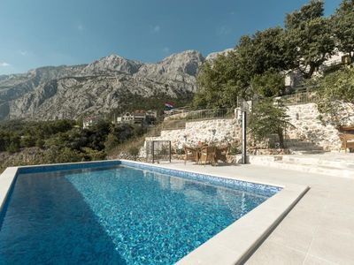 Photo for cttu178 - This charming holiday home with pool is located in the upper Tucepi, 4 + 1 persons