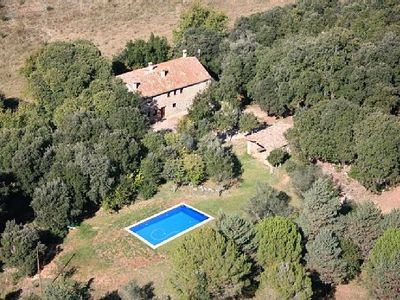 Photo for Country house with capacity for 14 people with a large garden, pool, barbecue, etc.