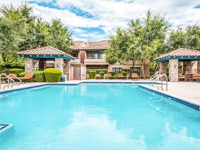 Photo for NEW LISTING! Bright condo w/shared pool, hot tub & fitness center, near mountain