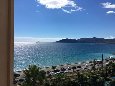 Photo for Cannes holiday apartment 606 with balcony and sea view, right on the beach