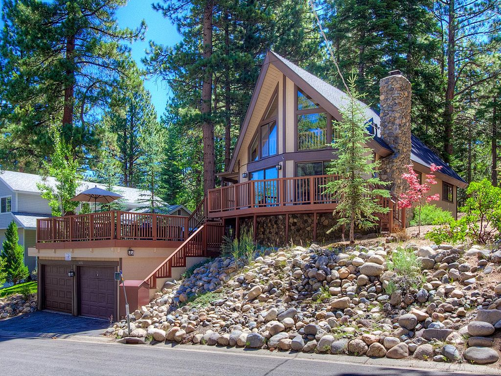 Absolutely adorable tahoe a frame style c homeaway for Rent a cabin in lake tahoe ca