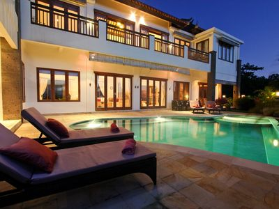 Photo for Family villa with panoramic views and pool fence