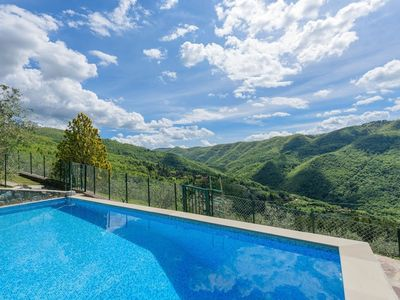 Photo for Villa in Londa with Internet, Pool, Parking, Garden (719237)