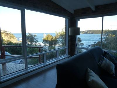 Photo for Stunning, close-up ocean, beach and headland views; 10-17 Jan still available.