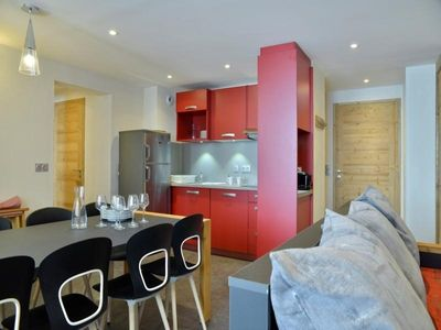 Photo for Apartment Les Coches, 3 bedrooms, 8 persons